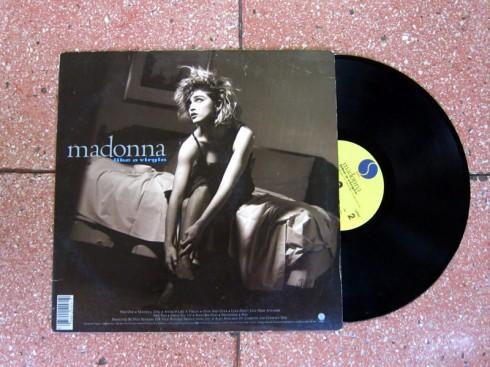 MadonnaLikeAVirgin_1
