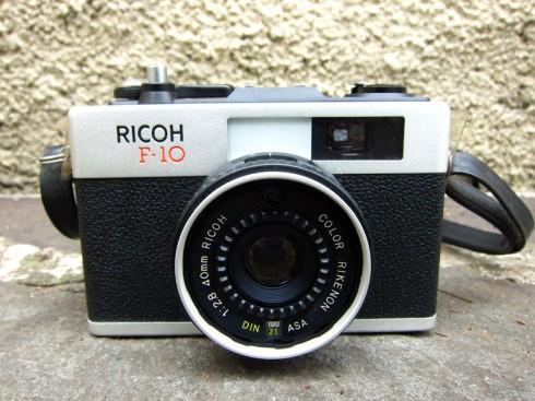 RicohF-10_1