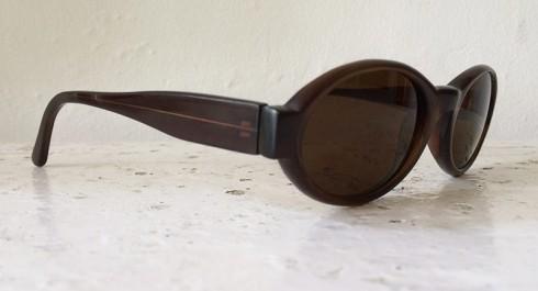 106-04-OvalSunglasses-A