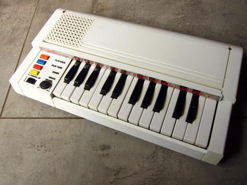 VintageElectronicComputerOrgan_1