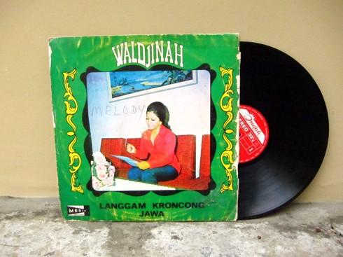 vinyl_Waldjinah_LanggamKroncongJawa