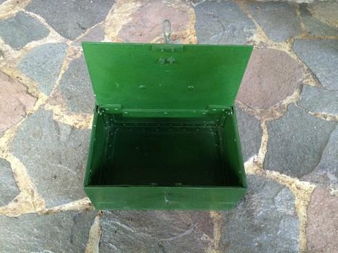 KotakBesiHijau-3
