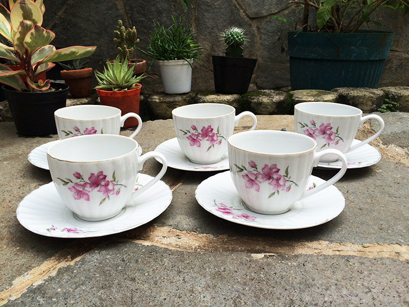 Siap dipakai untuk minum teh di sore hari, atau kopi di pagi hari. Jika